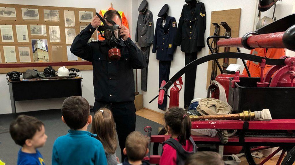Read more about the article Vizita la Muzeul Pompierilor